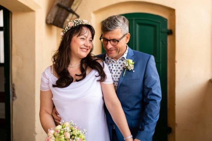 Hochzeitsreportage Tangermünde | kurz nach der Trauung am Rathaus