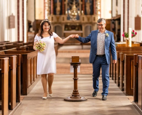 Hochzeit Tangermünde | Brautpaar in der Stephanskirche