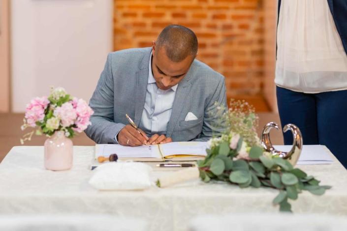Hochzeit in Tangermünde - Trauung Unterschrift